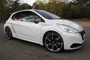 Peugeot 208 Tuning : caradisiac a essay la peugeot 208 hybrid fe ~ Jslefanu.com Haus und Dekorationen