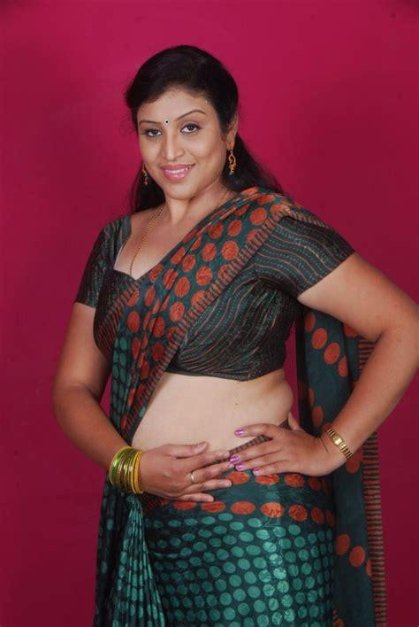Picture 18242 Uma Telugu Supporting Actress Hot Saree