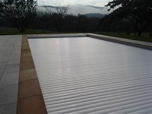 construction d39une piscine 11 x 45 m avec liner arme gris With volet roulant piscine gris