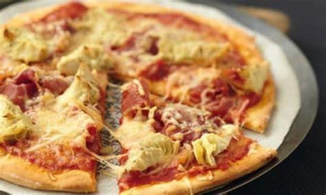 cuisiner artichaut recette pizza aux coeurs d 39 artichauts coppa et sublime filante 750g