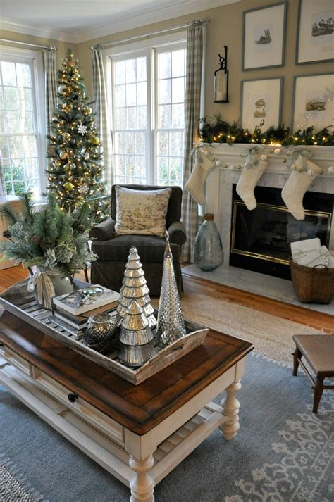christmas coffee table decor ideas    find