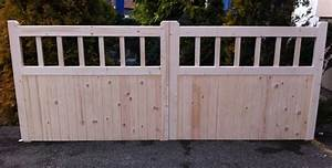 Wooden Double Entrance Cottage Style Driveway Gates Timber