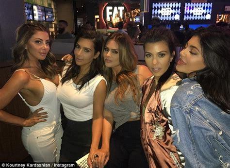 Kourtney Kardashian throws on bikini after hitting the gym ...