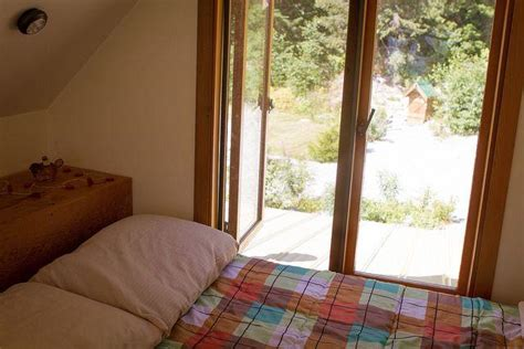 cozy log cabin   mountains  bella coola