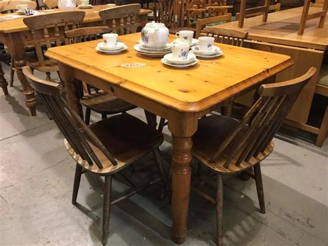 Small Solid Pine Kitchen Table £-wooden Tops