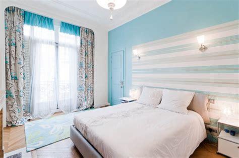 chambre blanche et turquoise chambre en bleu et blanc