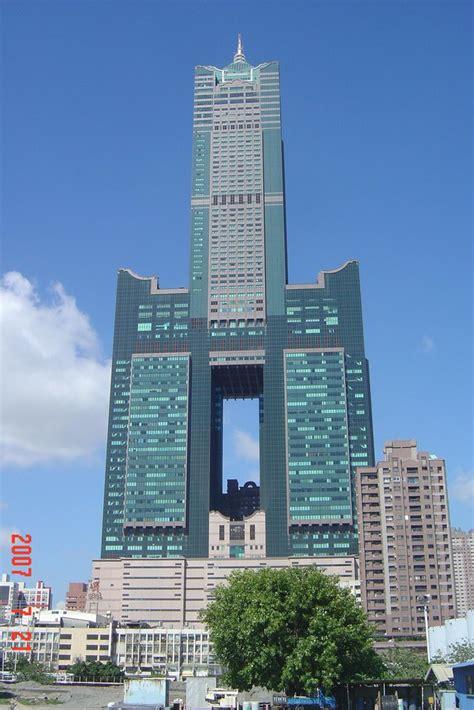 Panoramio - Photo of Taiwan2 高雄市,85大樓正面。(2007/07/21