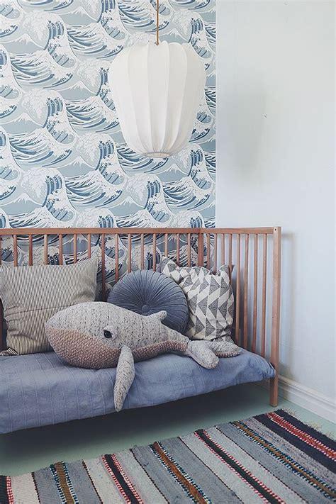 papier peint vague mer ocean en camaieu de bleu sur les