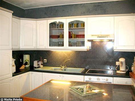 relooking cuisine avant apr鑚 avant après une cuisine rustique devenue blanche comme neige pictures to pin on