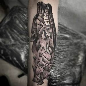 25 Amazing Geometric & Dotwork Wolf Tattoos - TattooBlend