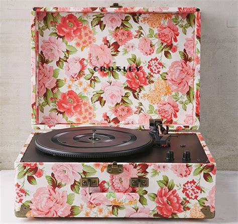 Urban Outfitters Valentineu0026#39;s Day Collection | Sidewalk Hustle
