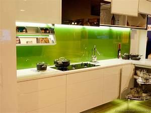 Kitchen backsplash ideas materials designs and pictures for Green kitchen backsplash ideas