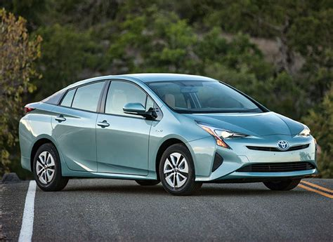 Toyota Prius Sets New Mpg Standard In Consumer Reports