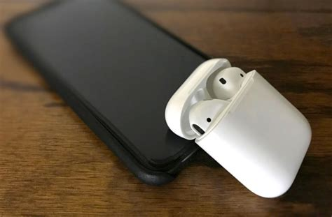 airpods charging case work qi
