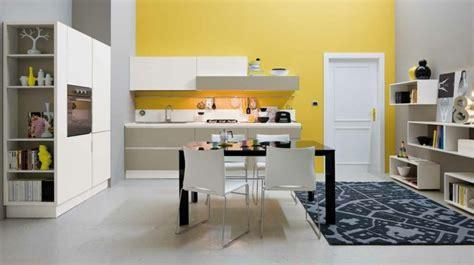 cuisine jaune et blanche déco cuisine moderne 50 propositions en couleurs vives