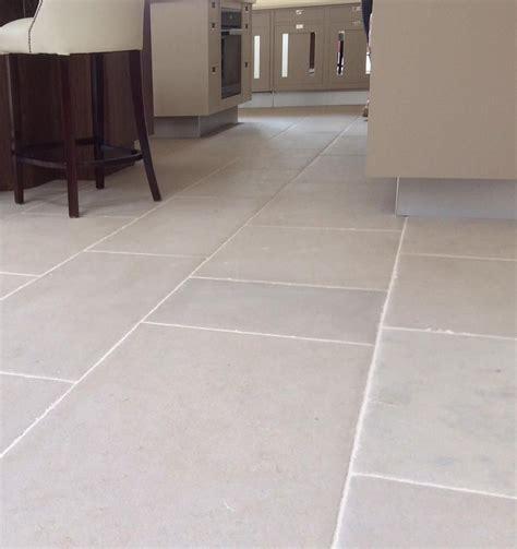 Floor Tiles by Pin By Lissette Alvarez On Home Decor Limestone Flooring