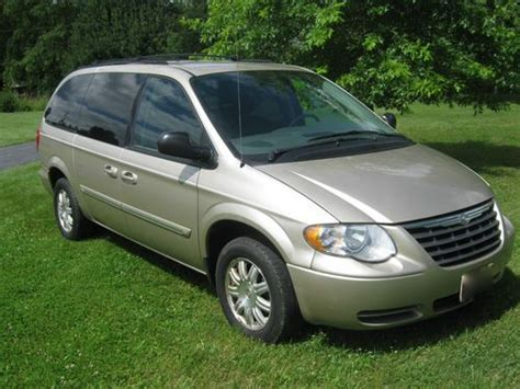 Purchase Used 2005 Chrysler Town And Country Touring Mini