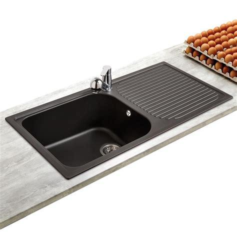evier rond cuisine évier en granit coloris noir 1 grand bac 1 égouttoir marque schock regala