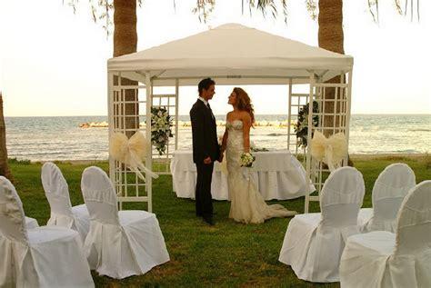 Wedding ceremony decorations ideas indoor   Designers tips and photo