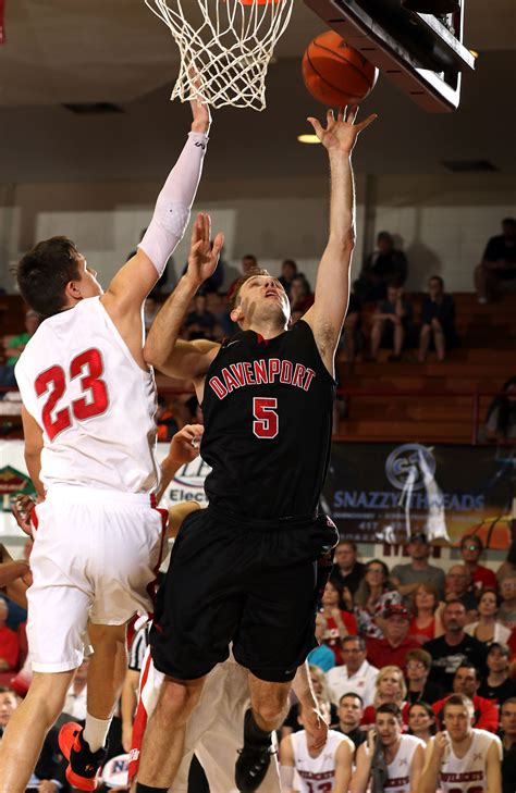 davenport mens basketball falls    naia semifinals
