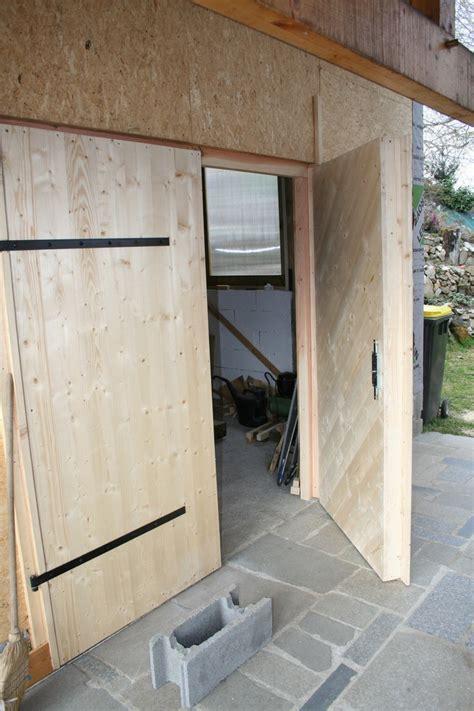 porte de garage et porte en bois de chambre porte d entrée blindée a conception 2017