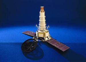 Ranger spacecraft with solar panels extended, 1964-1965 ...
