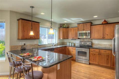 10 x 18 kitchen design craftsman kitchen with hardwood floors flat panel 7264