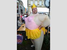 Lustige Outfits schmücken den CSD Christopher Street Day