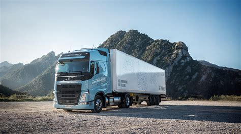 volvo truck images volvo trucks adds gas powered trucks in europe transport