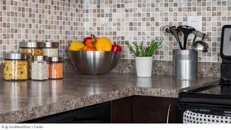 Küche Wandfliesen überkleben by Fliesenspiegel K 252 Che Kosten
