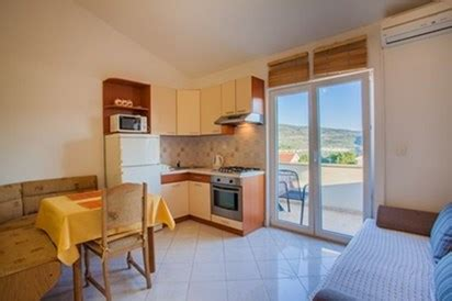 Cres Appartamenti by Appartamenti Kuljani艸 Cres Croaziavacanza It