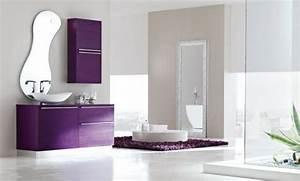 31 idees originales belles photos de salle de bain moderne With carrelage adhesif salle de bain avec luminaire sur pied led