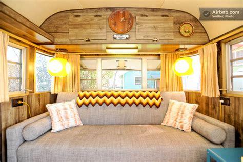 canapé convertible meridienne intérieur d 39 une caravane des ées 70 aux usa