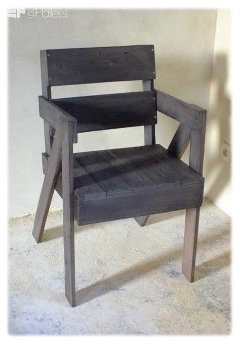 chaise en bois de palette pallet chair  pallets