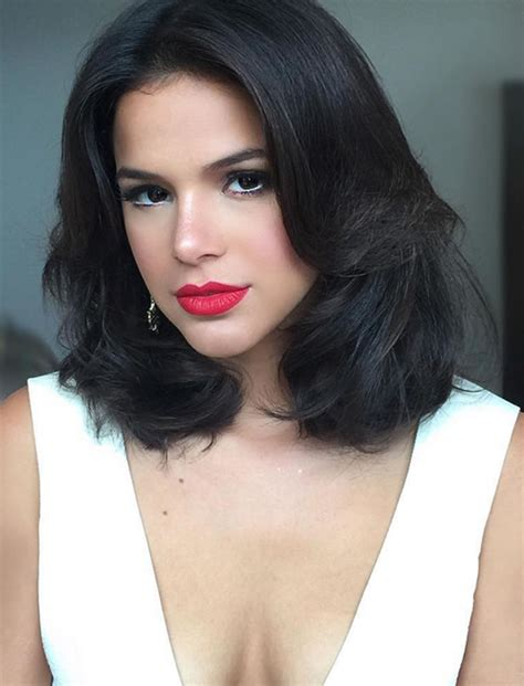 Medium Hairstyles And Haircuts For Women 20182019