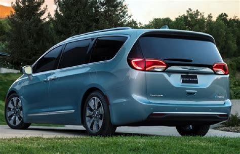 2018 Chrysler Pacifica  Review, Specs, Hybrid, Redesign