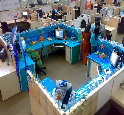 cubicle decoration themes  christmas   year