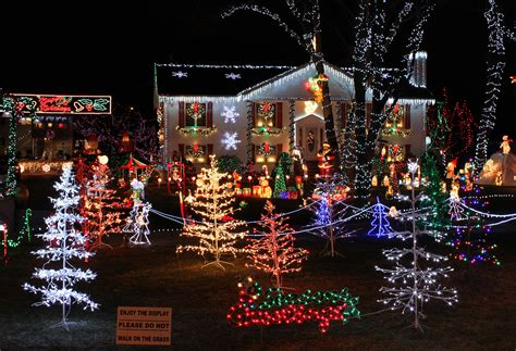 holiday lights in delaware file christmas lights house display jpg wikimedia commons