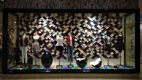 Aritzia: Multi-Store Window Displays CASE STUDY
