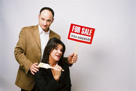 it or list it new hosts hit canadian home makeover show love it or list it faces lawsuit toronto star