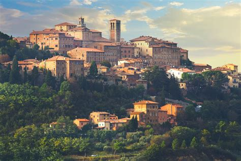 A Travel Guide to Montepulciano, Tuscany