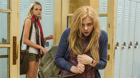 chloe moretz gets her period review carrie craveonline