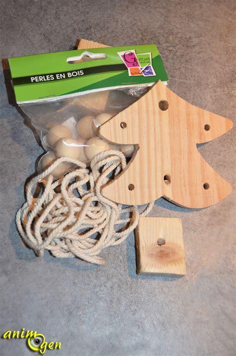 fabriquer le en bois jouet pour perroquet 224 fabriquer un sapin de bois d 233 cor 233 224 fourrager pour no 235 l animogen
