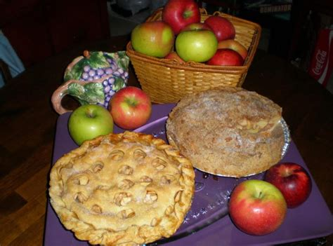 You just cook up this right on the stovetop in 10 to 15 minutes. Simple Twoway Apple Pie | Just A Pinch Recipes