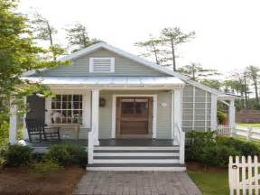 Top Photos Ideas For Small Cottage House Plans by Small Cottage House Exterior Color Country Cottage