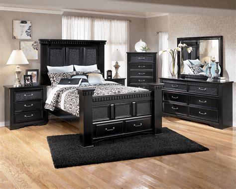 Contemporary Black Bedroom Furniture   Raya Furniture