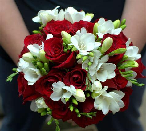 pin  emily johanson  flowers   red wedding