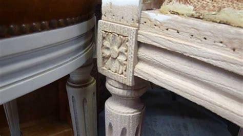 a 233 rogommage d une chaise en bois de style louis xvi m 233 daillon