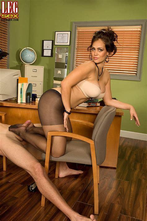 Yazmina Melendez Gets Pounded Wearing Pantyhose Of