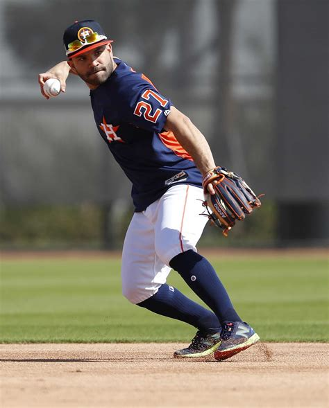 jose altuve astros reportedly agree   year